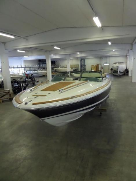 Chris Craft Corsar 25