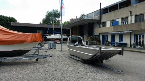 Arbeitsboot F�hrboot Bugklappe