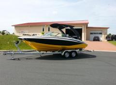 Regal 2100 Sport Boat