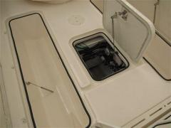 Pursuit C 340 Center Console