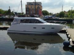 Sealine F380 Flybridge Yacht