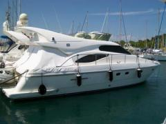 Ferretti 43 Fly Flybridge Yacht