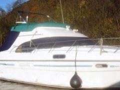 Sealine 390 Fly vgl. F37 360 Yacht a Motore