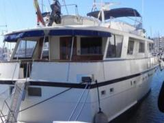 Hatteras 70 Extended Deckhouse
