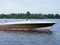 Chris Craft Launch 32 Runabout