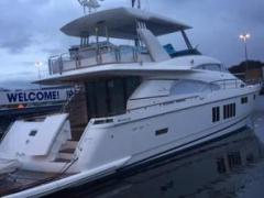Fairline Squadron 78 CUSTOM Hardtop Flybridge Yacht