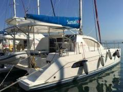 Robertson And Caine Leopard 384 Catamarano