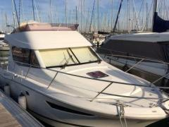 Jeanneau Merry Fisher 10 Flybridge Yacht