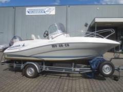 Quicksilver 555 Commander Deck Boat