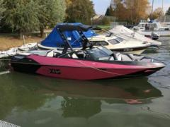Axis All New T23 Wakeboard / Wasserski