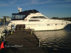 Sealine 450 Flybridge Yacht